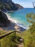 Het strand van Asturias in een klip royalty-vrije stock foto