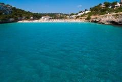Het strand van Cala Romantica, Majorca, Spanje Stock Afbeeldingen