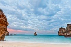 Het strand van Camilo, Lagos, Algarve, Portugal Royalty-vrije Stock Foto's