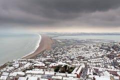 Het strand van Chesil in de winter stock foto