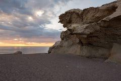 Het strand van de beeldhouwwerken bij dageraad in Almeria Royalty-vrije Stock Fotografie