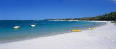Het strand van de Merrie van de schoonheid bij het Eiland van Mauritius Royalty-vrije Stock Foto's