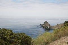 Het strand van de het noordenkust en oceaanmeningen royalty-vrije stock afbeeldingen