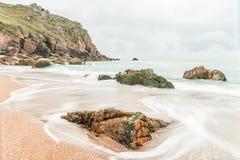 Het strand van de Porthkapel dichtbij porthgawwa Royalty-vrije Stock Afbeeldingen