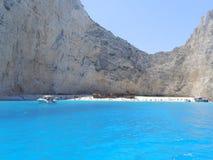 Het strand van de schipbreuk bij het eiland van Zakynthos stock foto