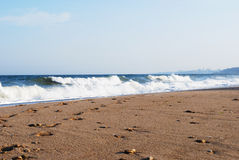 Het strand van de stad op de Zwarte Zee in het onweer Royalty-vrije Stock Foto's