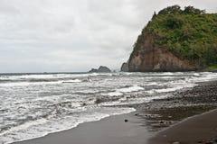 Het strand van de Vallei van Polulu op Groot Eiland in Hawaï Stock Foto