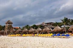 Het strand van de winter. Mexico. Stock Foto