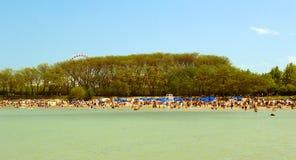 Het strand van de zomer in Chicago Stock Foto's