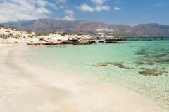 Het strand van Elafonisi (Kreta, Griekenland) Stock Foto's