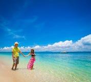 Het strand van Filippijnen, van de vrouw en man Royalty-vrije Stock Afbeelding