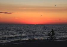 Het strand van Florida bij zonsondergang royalty-vrije stock foto's