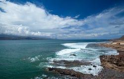 Het strand van Gran Canaria, Gr Confital op de rand van Las Palmas Royalty-vrije Stock Fotografie