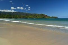 Het Strand van Hanalei Stock Afbeeldingen