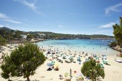 Het strand van Ibiza bij de zomer Stock Foto's