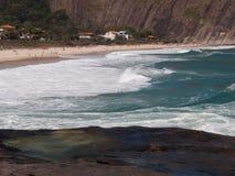 Het strand van Itacoatiara in Niteroi, Brazilië Stock Afbeelding