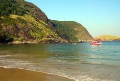 Het strand van Itaipu Stock Afbeeldingen