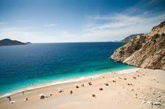 Het strand van Kaputas in het Turkse Middellandse-Zeegebied stock afbeelding