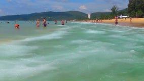Het strand van Karon stock footage