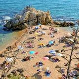 Het Strand van La Roca Grossa in Sant Pol. DE Mar, Spanje Royalty-vrije Stock Foto's