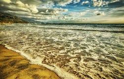 Het strand van La Speranza bij zonsondergang Royalty-vrije Stock Afbeeldingen