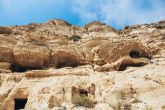 Het strand van Matala Holen op de rotsen Stock Fotografie