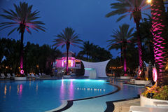 HET STRAND VAN MIAMI, FL - JULI 18: Een algemene mening van atmosfeer bij de Officiële Schop van Mercedes-Benz Fashion Week Swim 2 Royalty-vrije Stock Afbeeldingen