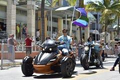 Het STRAND van MIAMI, FLORIDA, 9 APRIL, 2016 - Vrolijke Trots Stock Afbeelding