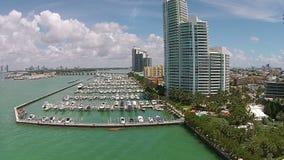 Het Strand van Miami van de bootjachthaven stock video