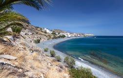 Het strand van Mirtos bij het eiland van Kreta in Griekenland stock foto's