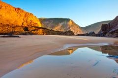 Het strand van Murração, Vila do Bispo, Portugal Stock Foto's