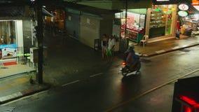 Het Strand van nachtkaron, Phuket stock video