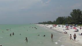 Het strand van Napels Florida stock videobeelden