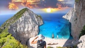 Het strand van Navagio met Sexy Vrouw stock foto's