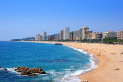 Het strand van Platja d'Aro (Costa Brava, Spanje) stock afbeeldingen