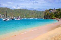 Het strand van prinsesMargaret in Caraïbisch Bequia, stock foto