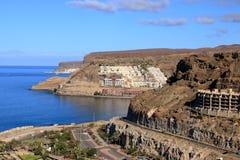 Het strand van Puerto Rico en amadores in Gran Canaria stock fotografie