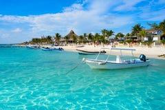 Het strand van Puertomorelos in Riviera Maya stock foto's
