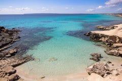 Het strand van S Calo des Mort, Formentera, Spanje Royalty-vrije Stock Fotografie