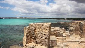 Het strand van S Trenc, Mallorca stock footage