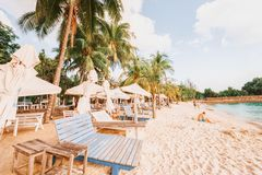 Het Strand van toeristensiloso bij Sentosa-eilandtoevlucht in Singapore royalty-vrije stock foto