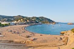Het strand van Tossa de Mar, Costa Brava Stock Afbeeldingen