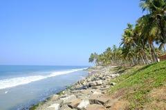 Het strand van Varkala, Kerala, India stock afbeeldingen