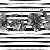 Het strandachtergrond van de zomer Waterverf naadloos patroon Hand Geschilderd Tropisch de Zomermotief met Hibiscus en Streep Royalty-vrije Stock Afbeeldingen