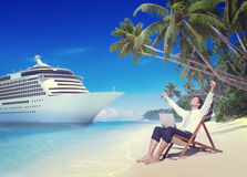 Het Strandconcept van zakenmanrelaxation vacation outdoors stock foto