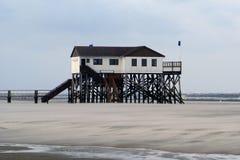 Het strandhuis van peter-Ording van Sankt Stock Afbeelding
