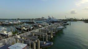 Het Strandjachthaven van Miami bij schemer stock videobeelden