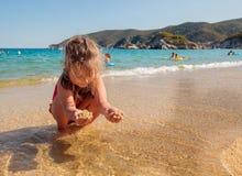 Het Strandkind van de de zomerreis Stock Afbeeldingen