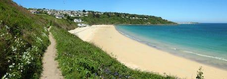 Het strandpanorama van de Baai van Carbis, Cornwall het UK. Stock Afbeelding