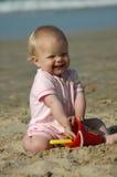 Het strandspel van de baby stock foto